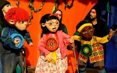 Inclusão no Teatro de Bonecos. Floresta dos Mistérios educa e diverte.