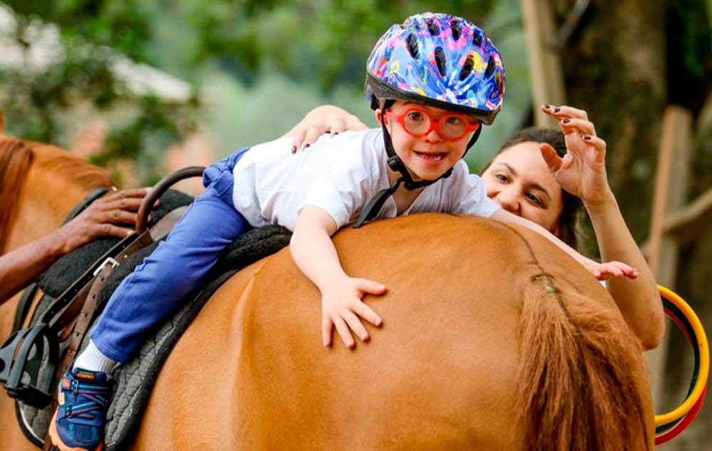 Tudo sobre Equoterapia. Saúde e qualidade de vida com a ajuda de cavalos.