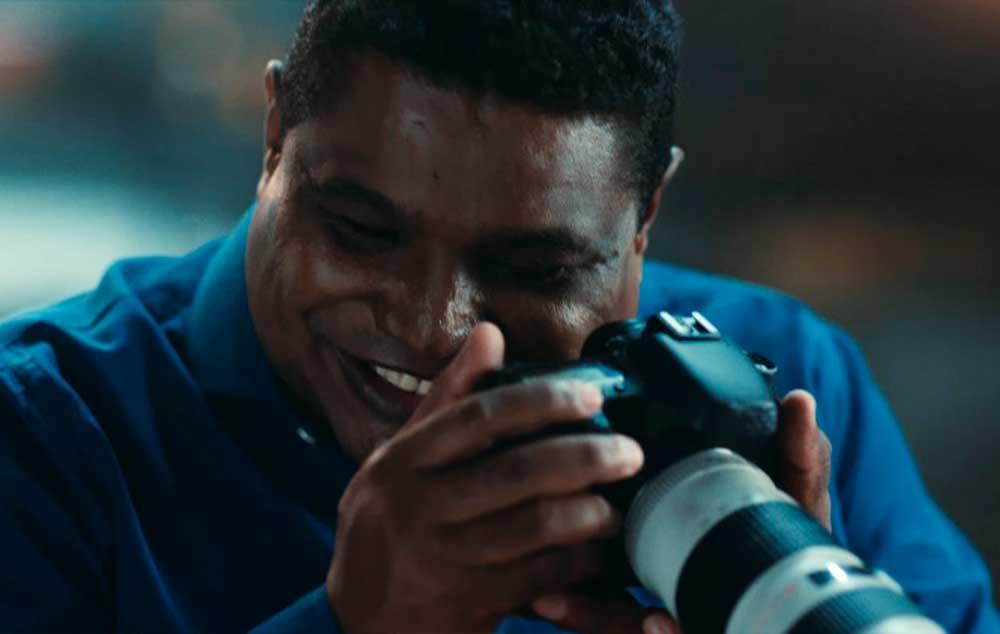 Fotógrafo cego ganha câmera que fala. Um Natal para acreditar, campanha da Canon.